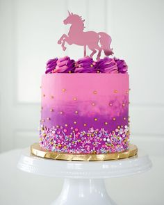 This gorgeous inspired ombré cake for a lucky 30 year old this weekend. You're never too old for a unicorn cake! 7th Birthday Cakes, Horse Birthday Parties, 3 Year Old Birthday Cake, Birthday Ideas, Cake 5 Years Old, Rodjendanske Torte, Pony Cake, Horse Cake, Ombre Cake