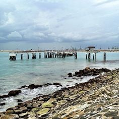Water so blue so clear you can see the reflection of the pier #singapore #labradorpark #labrador #park #lowtide #sea #water #iphone4s #nature #coast #coastline #tourist #attraction #history #jetty #nofilter #pier #rock #sg #sky #clouds #cloud #guosheng #guoshengz #sg
