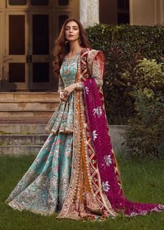 Bridal Mehndi Dresses 2020 - Pakistani Wedding Dresses for Brides Pakistani Formal Dresses, Shadi Dresses, Indian Gowns Dresses, Pakistani Wedding Dresses, Pakistani Dress Design, Pakistani Outfits, Pakistani Mehndi Dress, Pakistani Garara, Pakistani Designers