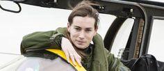 L'armée de l'air française est aujourd'hui la plus féminisée au monde (22 % des effectifs), même si les femmes sont toujours majoritairement confinées dans des postes administratifs.