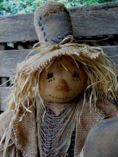 Primitive Halloween Fall Scarecrow Doll Raggadees by Mom Me Love the face! Primitive Scarecrows, Primitive Autumn, Primitive Pumpkin, Fall Scarecrows, Primitive Crafts, Pumpkin Man, Scarecrow Doll, Halloween Doll, Fall Halloween