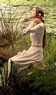 Photo reenactment of Waterhouse painting, Ophelia, by Bert Barelds