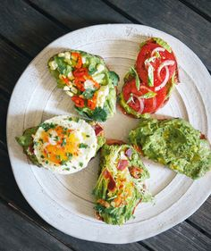 5 easy recipes for Avocado Toast. A healthy breakfast, appetizer or snack!