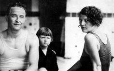 ernest hemingway's daughter   Scott and Zelda Fitzgerald with daughter Scottie. Photo: REX FEATURES