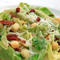 This avocado and bacon salad has a great combination of tasty flavors.