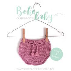 Ya tenéis disponible en el blog el #cubrepañal a juego con la rebeca, la capota pixie y las botitas que hemos estado tejiendo estas semanas. Ahora ¡a otra cosa mariposa! ¿Alguna ha empezado a tener el conjunto? ¿Que color habéis elegido? 👉🏻Link directo en la bio #babyknit #babyknitting #babyknitwear #knit #knitt #knittersofinstagram #creativaatelier #cubrepañaldepunto #tejer #tejermola #tejeresmisuperpoder #madewithKatia