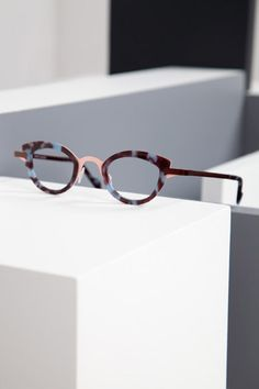 Anne et Valentin COLLECTION - TYPO A135 | Architect's Fashion