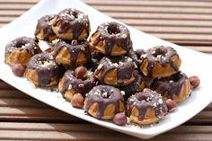 vegane Haselnuss-Gugelhüpfchen | vegan mini hazelnut ring cake | Bild klicken, um zum Rezept zu gelangen / click image for recipe.