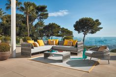 A sneak peek at the 2018 outdoor season from Sifas. New additions to the Kalife Collection. A corner module and lounge chair make great additions to your patio. Indoor Outdoor, Outdoor Decor, Outdoor Ideas, Bordeaux, Interior Exterior, Interior Design, Contemporary Outdoor Sofas, Pergola, Florida Design