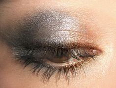 grey and brown, i would of never thought to put these 2 colors together. its gorgeous. have to try