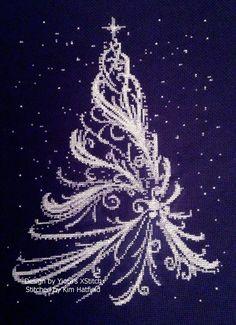 Xmas Cross Stitch, Counted Cross Stitch Kits, Cross Stitching, Cross Stitch Embroidery, Embroidery Patterns, Christmas Cross, White Christmas, Christmas Tree, Elegant Christmas
