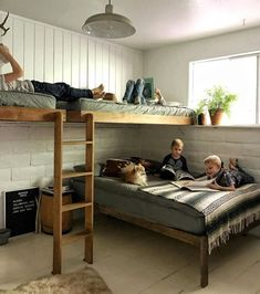 Bunk Bed for Kids Ideas - One of the main reasons why you want to have some bunk bed for kids ideas is because you want to make the room more spacious. Bunk beds are the perfect solution for your kids' bedroom who only has limited space. Bunk Bed Rooms, Cool Bunk Beds, Bunk Beds With Stairs, Kids Bunk Beds, Boys Bunk Bed Room Ideas, Bunk Bed Ideas For Small Rooms, Lofted Beds, Bunk Beds For Boys Room, Bunk Bed Designs