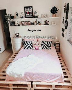 Teen Bedroom Designs, Cute Bedroom Ideas, Room Design Bedroom, Room Ideas Bedroom, Home Room Design, Home Decor Bedroom, Diy Room Decor, Small Room Design, Cozy Room