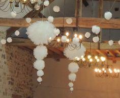Suspension de pompon en tulle ivoire hauteur 1m50 lc lght fbrc tll vl pnpn Manon, Ivoire, Decoration, Bobs, Party Ideas, Wedding Ideas, Etsy, Lighting, Crafts