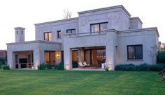 pereyra iraola valls arquitectos Casas Country, Modern Bungalow House, Casas Containers, Villa, Art Deco Home, Spanish House, Dream House Exterior, Stone Houses, Facade House