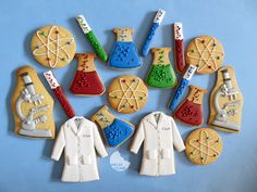 Chemist cookie set by Viva las cookies. Science Cake, Science Party, Sugar Cookie Royal Icing, Sugar Cookies, Mad Scientist Party, Pokemon Birthday, Cut Out Cookies, Fun Cupcakes, Time To Celebrate