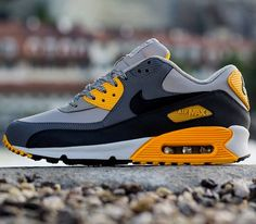 Nike Air Max 90 Essential – Pale Grey / Black – Anthracite