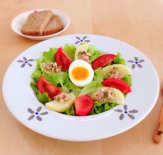 サラダで、お昼ごはん。