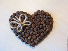1 million+ Stunning Free Images to Use Anywhere Diy Presents, Diy Gifts, Coffee Bean Art, Crafts To Make, Crafts For Kids, Art And Hobby, Preschool Gifts, Jute Crafts, Coffee Heart
