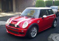 I like the color of this Mini Cooper - Car Cooper Car, Mini Cooper Clubman, Mini Cooper S, The Italian Job, Car Girls, Future Car, Bad Boys, John Works, Cool Cars