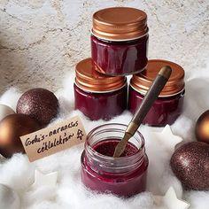 🎄 Csokis-narancsos céklalekvár... De azt is mondhatnám, hogy piros csokikrém 😉😁 Hozzávaló Chocolate Fondue, Desserts, Instagram, Food, Tailgate Desserts, Deserts, Essen, Postres, Meals