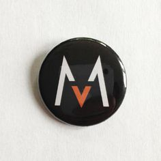 Maroon 5 pinback buttons available from: https://5050.storenvy.com/products/2119251-maroon-5-pinback-button