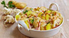Leckeeer! Blumenkohl, Kartoffeln, Schinken, Käse, Petersilie und eine köstliche Sauce - das sind die Zutaten für unseren Auflauf.
