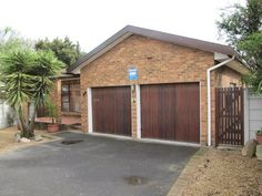 Face brick home for sale in Blommendal Bellville