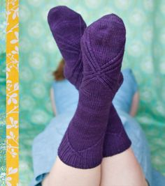 bows at the back ~ how divine are these socks?  'Manolo' for Twist Collective