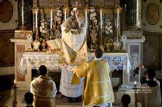 Mons. Giuseppe Canovai e l'Opera Familia Christi