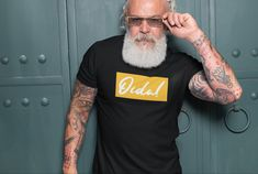 Da Klassiker Oida gibts natürlich a #wien Xmas Shirts, Father's Day T Shirts, Mens Tee Shirts, Cool T Shirts, T Shirts For Women, Pride Shirts, Book Shirts, Family Shirts, Christmas Shirts