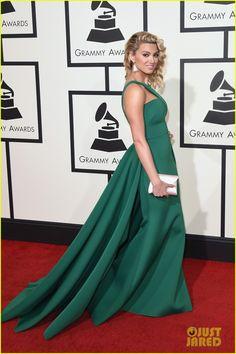 Tori Kelly Looks Like a Green Goddess at Grammys 2016!
