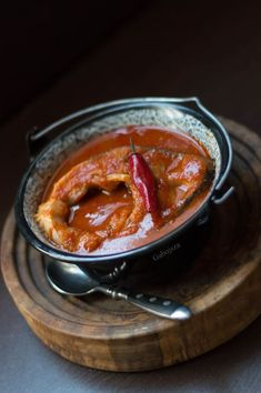 Goulash, Fish Dishes, Food Art, Chili, Grilling, Pudding, Favorite Recipes, Beef, Meals