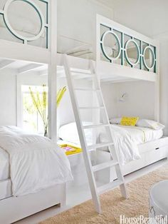 What a fun bunk room via House of Turquoise. Designer is Sally Markham. Bunk Beds Built In, Modern Bunk Beds, Cool Bunk Beds, Kids Bunk Beds, Loft Beds, Trundle Beds, Adult Bunk Beds, House Of Turquoise, Bunk Rooms