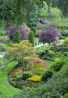 A VISIT TO THE BEAUTIFUL BUTCHART GARDENS | Victoria, British Columbia | www.AfterOrangeCounty.com