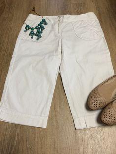 Ann Taylor LOFT Cotton White Capri Cropped Pants Size 4 #AnnTaylorLOFT #CaprisCropped