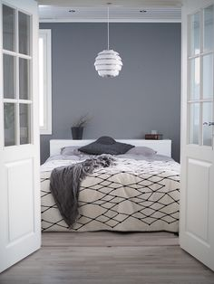 MAKUUHUONEEN MUUTOS Master Bedroom, Bedroom Decor, Bedroom Ideas, Welcome To My House, Colour Pallette, Grey Walls, Layout, Ceiling Lights, Interior