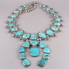 15 Super ideas for jewerly indian necklaces squash blossom Turquoise Jewelry, Silver Jewelry, Vintage Jewelry, Turquoise Cuff, Vintage Turquoise, Green Turquoise, Jewelry Box, Silver Rings, Native American Jewellery