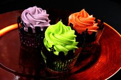 bright colours on dark nights Baking Cupcakes, Yummy Cupcakes, Cupcake Cookies, Cupcake Recipes, Cupcake Wraps, Sweet Cupcakes, Halloween Food For Party, Halloween Cupcakes, Halloween Treats