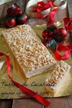 TURRÓN DE CACAHUETE                                                                                                                                                                                 Más Fruit Recipes, Sweet Recipes, Cake Recipes, Dessert Recipes, Desserts, Homemade Sweets, Homemade Gifts, New Year's Food, Decadent Cakes