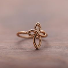 Antique Cross Ring | Simple & Dainty