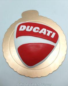 daidegas: Ducati CAKE, http://www.daidegasforum.com/forum/foto-video/520636-ducati-torte-dolci-biscotti.html Yum