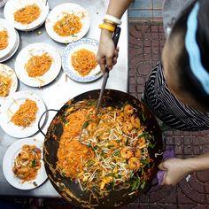 Phat Thai Tuesday. Pad Thai at #Bangkok's most famous #padthai street food stand, Thip Samai. #Thailand