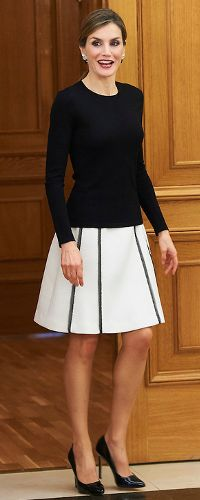 2 Jun 2016 - Queen Letizia holds audience hearings and plenary meeting with Royal Spanish Academy. Click to read more