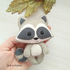felt toys Felt raccoon ornament pattern woodland Plush sewing tutorial PDF pattern toy Raccoon ornament DIY felt tutorial softi Raccoon sewing pattern This PDF felt pattern is Felt Fox, Felt Baby, Felt Birds, Felt Animal Patterns, Stuffed Animal Patterns, Felt Crafts Diy, Felt Mobile, Mobile Baby, Felt Christmas Ornaments
