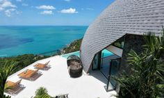 Staying at a hotel is great, but staying at a house made out of seashells is even better. Thanks to Airbnb, the website that allows peop...