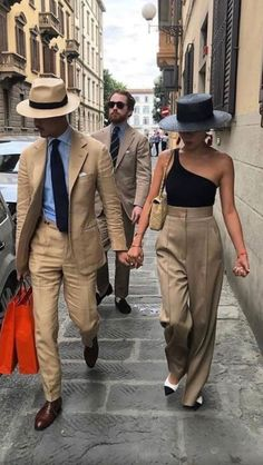 "Stylish couple out on the town in ""(life)style! Looks Street Style, Looks Style, My Style, Couple Style, Street Style Summer, Classic Man Style, Men Summer Style, Style Men, Spring Style"