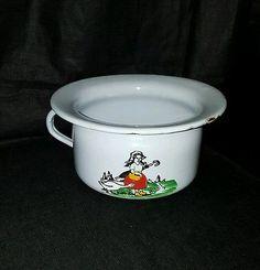 Vintage-Enamelware-Chamber-Pot-Childs-Potty-Possibly-Mother-Goose-Germany