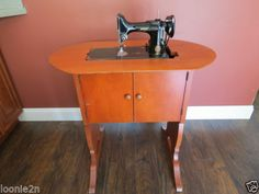Singer 221 Featherweight 68 Cabinet with Lift photo, picture ...