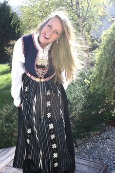 Hello all, Today I will cover the last province of Norway, Hordaland. This is one of the great centers of Norwegian folk costume, hav. Folk Costume, Costumes, Traditional Outfits, Norway, Scandinavian, Bohemian, Culture, Embroidery, Beauty